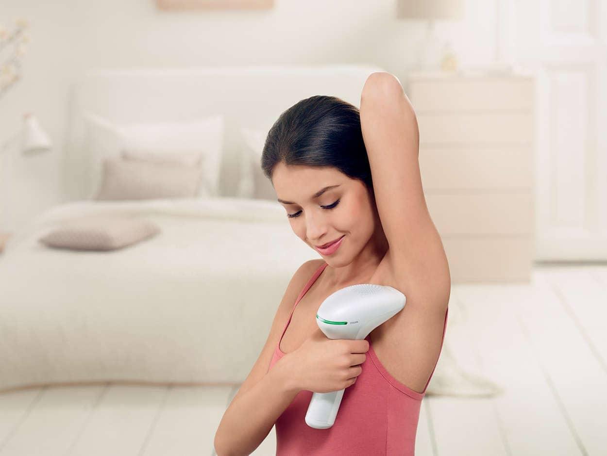 Triệt lông nách hiệu quả với máy triệt lông cầm tay tại nhà